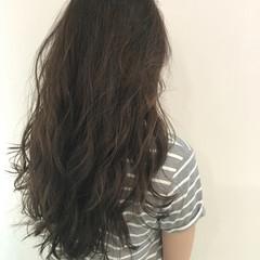 ゆるふわ ハイライト ロング アッシュ ヘアスタイルや髪型の写真・画像
