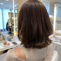 小顔 アンニュイほつれヘア オフィス 外ハネボブ ヘアスタイルや髪型の写真・画像