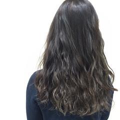 セミロング ガーリー 暗髪 アッシュ ヘアスタイルや髪型の写真・画像