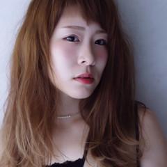 アシメバング 大人かわいい オン眉 フェミニン ヘアスタイルや髪型の写真・画像