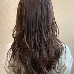 レイヤースタイル レイヤーロングヘア ロング オリーブグレージュ ヘアスタイルや髪型の写真・画像