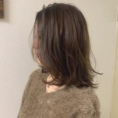 ウルフカット アッシュ グレージュ アッシュグレージュ ヘアスタイルや髪型の写真・画像