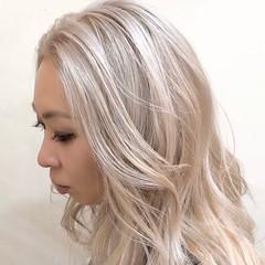 グラデーションカラー セミロング インナーカラー ナチュラル ヘアスタイルや髪型の写真・画像