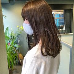 ロング オリーブカラー オリーブベージュ アディクシーカラー ヘアスタイルや髪型の写真・画像