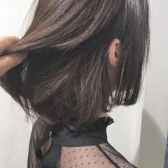 ショートボブ 切りっぱなし モード インナーカラー ヘアスタイルや髪型の写真・画像