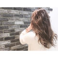 渋谷系 ハイライト 外国人風 グレージュ ヘアスタイルや髪型の写真・画像