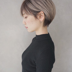 ミルクティー アッシュ ショート グレージュ ヘアスタイルや髪型の写真・画像