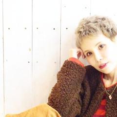ブリーチ ハイトーン アッシュ ベリーショート ヘアスタイルや髪型の写真・画像