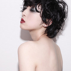 かっこいい パーマ ウェットヘア モード ヘアスタイルや髪型の写真・画像