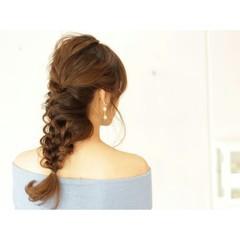 編み込み ゆるふわ セミロング ヘアアレンジ ヘアスタイルや髪型の写真・画像