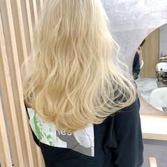 最新トリートメント ロング 透明感カラー ナチュラル ヘアスタイルや髪型の写真・画像