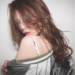 ラフ セミロング アッシュ ハイライト ヘアスタイルや髪型の写真・画像
