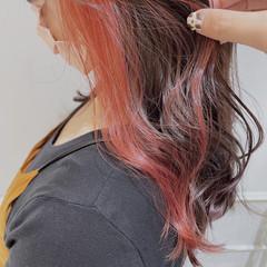 パープルカラー ナチュラル サーモンピンク 艶カラー ヘアスタイルや髪型の写真・画像