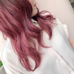 フェミニン ピンク インナーカラー デザインカラー ヘアスタイルや髪型の写真・画像