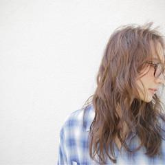 セミロング 外国人風 モード パーマ ヘアスタイルや髪型の写真・画像