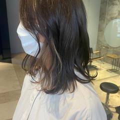 インナーカラー フェミニン ミディアム 3Dハイライト ヘアスタイルや髪型の写真・画像