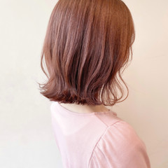 ピンクベージュ ブリーチなし 透明感カラー ボブ ヘアスタイルや髪型の写真・画像