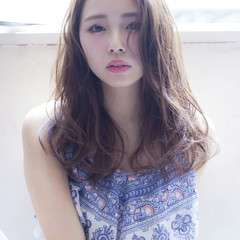 イルミナカラー ウェーブ デジタルパーマ ブルージュ ヘアスタイルや髪型の写真・画像