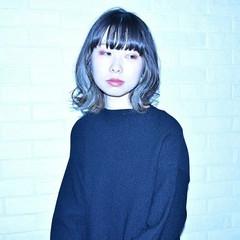 モード 暗髪 くせ毛風 ミディアム ヘアスタイルや髪型の写真・画像