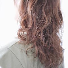 ワンカールパーマ セミロング ゆるふわパーマ パーマ ヘアスタイルや髪型の写真・画像