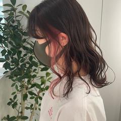 ピンク インナーカラー ダブルカラー ナチュラル ヘアスタイルや髪型の写真・画像