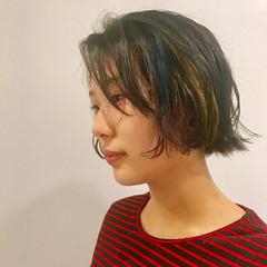 インナーカラー フリンジバング ボブ モード ヘアスタイルや髪型の写真・画像