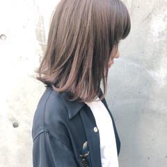 前髪あり ロブ ミディアム アッシュグレージュ ヘアスタイルや髪型の写真・画像
