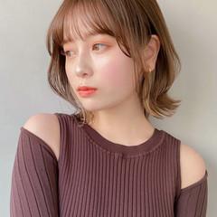 デート インナーカラー 大人かわいい ミディアム ヘアスタイルや髪型の写真・画像