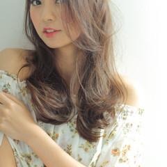 大人かわいい ゆるふわ アッシュ フェミニン ヘアスタイルや髪型の写真・画像