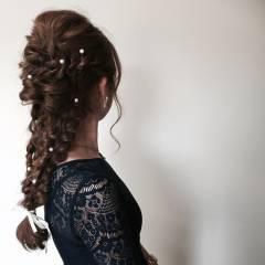 編み込み ツイスト ヘアアレンジ ねじり ヘアスタイルや髪型の写真・画像