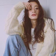 パーマ ロング 前髪あり 冬 ヘアスタイルや髪型の写真・画像