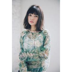アンニュイ デート ミディアム パーマ ヘアスタイルや髪型の写真・画像