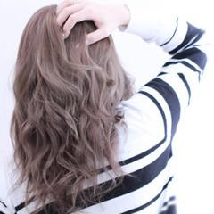 アッシュ 外国人風 ダブルカラー ナチュラル ヘアスタイルや髪型の写真・画像