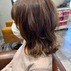 レイヤーヘアー セミロング ナチュラル レイヤースタイル ヘアスタイルや髪型の写真・画像