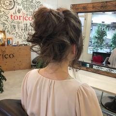 フェミニン かわいい オフィス 簡単ヘアアレンジ ヘアスタイルや髪型の写真・画像
