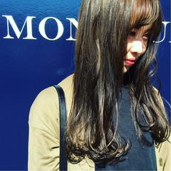 ウェットヘア イルミナカラー セミロング ストリート ヘアスタイルや髪型の写真・画像