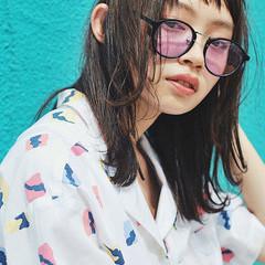 ウェットヘア 外ハネ ミディアム ストリート ヘアスタイルや髪型の写真・画像
