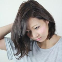 外国人風 アッシュ 大人かわいい ナチュラル ヘアスタイルや髪型の写真・画像
