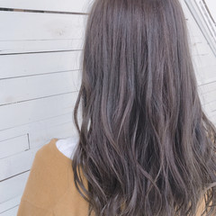 グレージュ 艶髪 セミロング 透明感 ヘアスタイルや髪型の写真・画像