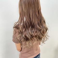 ロング アッシュ 髪質改善トリートメント アッシュグレージュ ヘアスタイルや髪型の写真・画像