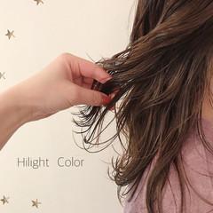 ミディアムレイヤー ハイライト ナチュラル ミディアム ヘアスタイルや髪型の写真・画像