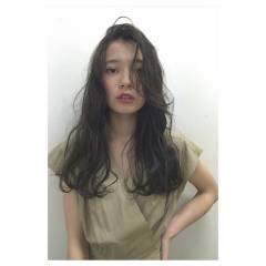 ウェットヘア ナチュラル ロング パンク ヘアスタイルや髪型の写真・画像