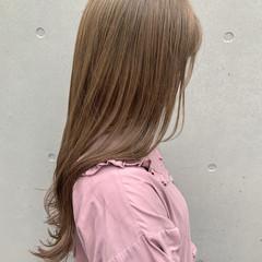 ハイトーンカラー ベージュ ミルクティーベージュ ロング ヘアスタイルや髪型の写真・画像
