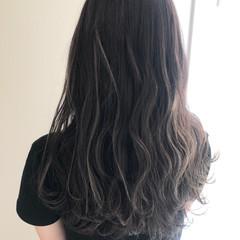 ロング コントラストハイライト フェミニン 極細ハイライト ヘアスタイルや髪型の写真・画像