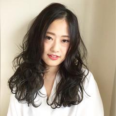 アッシュ ナチュラル グラデーションカラー セミロング ヘアスタイルや髪型の写真・画像