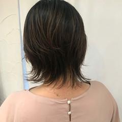 ショートヘア ナチュラル ナチュラルウルフ ミディアム ヘアスタイルや髪型の写真・画像
