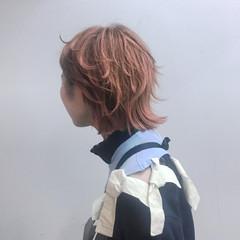 ウルフカット ハイトーン ミディアム ピンク ヘアスタイルや髪型の写真・画像