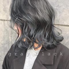 グレージュ ミディアム アッシュグレージュ ブルーブラック ヘアスタイルや髪型の写真・画像