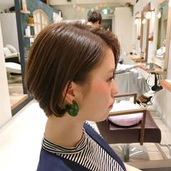 ハンサム フェミニン ショートボブ オフィス ヘアスタイルや髪型の写真・画像