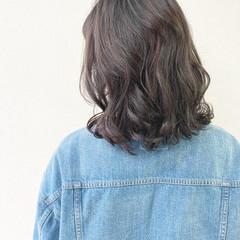 ナチュラル デジタルパーマ 毛先パーマ 前髪 ヘアスタイルや髪型の写真・画像